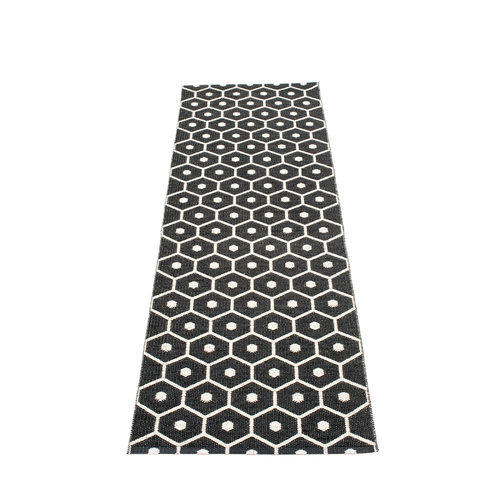 Pappelina HONEY matto  - black - Koko: 70x225cm