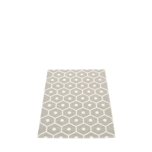 Pappelina HONEY matto  - warm grey - Koko: 70x100cm